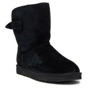 UGG Remora Short Boots NWT